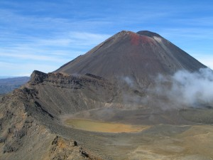 MtNgauruhoe_and_South_Crater (1)