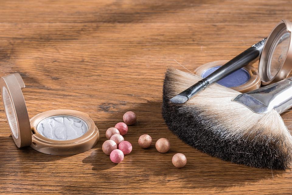 makeup-1805805_960_720